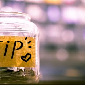 【ハワイ】チップの相場・どのくらい払う?シチュエーション別に紹介(ホテル・レストランなど)