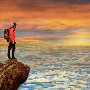 登山にはレインウェアを持っていこう!レインウェアの選び方!