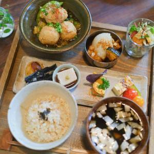 千葉県匝瑳市にある「たけおごはん」でいただく、滋味深い地場野菜のマクロビオティックランチ。