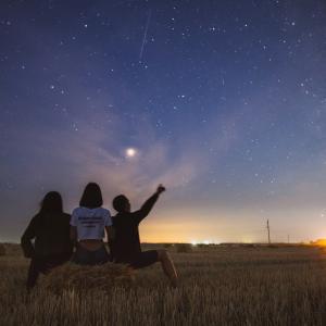 赤い星によるミステリアスな出来事について! 南の空に輝くアンタレスと 火星について