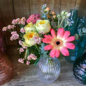 生活の中に手軽に花を飾りましょう。