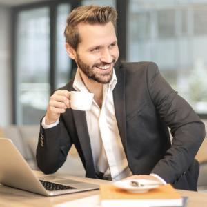 【初心者必見】ネットビジネスで稼げない人に多い特徴を知って克服しよう!