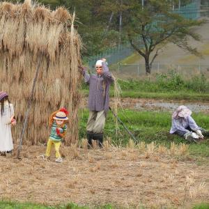 草むしりのおばあさん