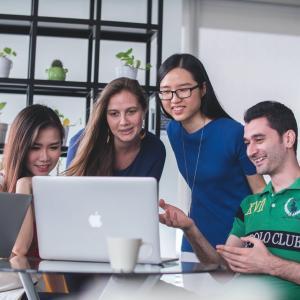【IT企業の特徴】業界未経験の「営業」が転職!経験者が実際に感じたITベンチャーの特徴をご紹介します