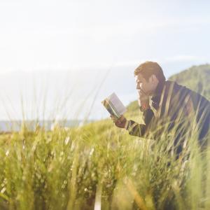 なんの力にもならない知識はない-読書は、一瞬で偉人の人生を疑似体験する-