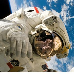 【宇宙産業編①】Amazonのジェフ・ベゾス氏 率いるブルーオリジン-宇宙ビジネスは他社に先手を取られる-