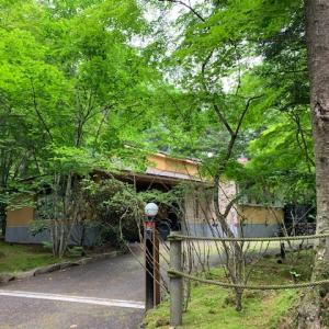 旧軽井沢に佇むエレガントな別荘のご紹介です♪