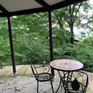 2000万円台で買える軽井沢中古別荘「円形バルコニーの家」をご紹介♪