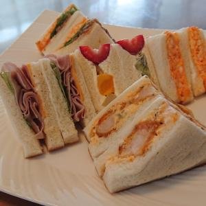 「Sandwich and bakery Coco」のサンドイッチでお昼ごはん