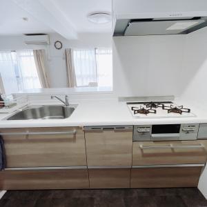 【約4畳の狭いキッチン!】3世代同居の収納の悩みを解決した5つの具体的な方法!
