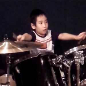 障害児がドラムで8ビートを叩けるようになった道のりとは?