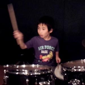 ズバ抜けた能力発見?障害児のドラムプレイを瞬時に覚える記憶力 !