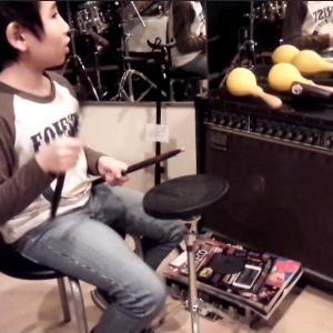 ドラムを習い始めた頃、自宅で何を使って練習をしていたのか教えて?