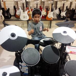 自宅以外でのドラム練習!どこでドラム叩いてたりしていたの?