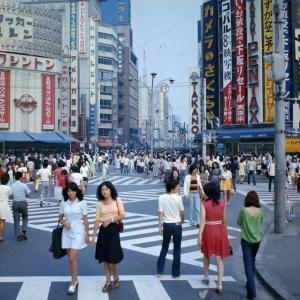 【画像】1978年新宿の女の子がマブい