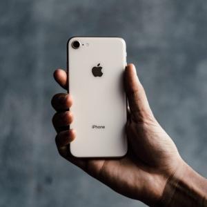 iPhone Xから iPhone8へ ダウングレードして思ったこと