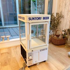 レトロな冷蔵庫**