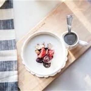 【ヨーグルトに相性の良い組み合わせ】効果を相乗してくれる食べ物とは?