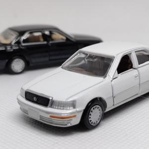 トミカプレミアム トヨタ セルシオ 通常版と発売記念仕様