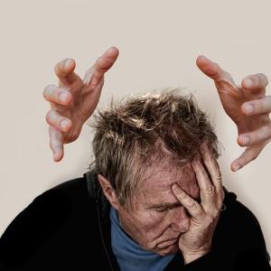 いじめによるストレスは人生を台無しにする!【職場の人間関係改善】