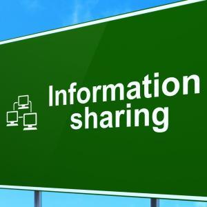 情報共有が上手くいかないと悩む前に管理職がすべきこと 自分から率先して共有を図る