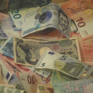 学生の方必見!海外航空券を数万円単位で安く購入する方法【5選】