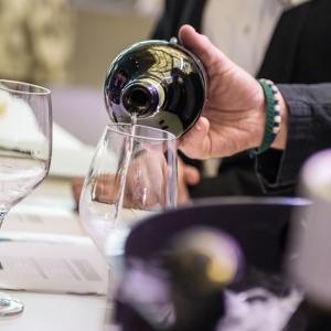 ワイン初心者向け!失敗しないワインの選び方5つのポイントをソムリエが解説!ネットショップも!