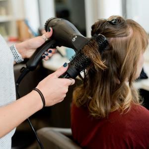 婚活で成功に導くポイント【女性のヘアスタイルと髪について】