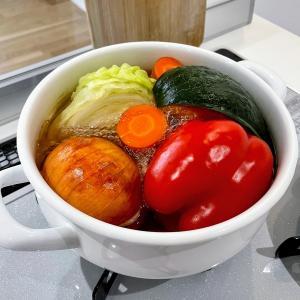 カフェで朝ごはん、まるごと野菜スープで栄養たっぷり