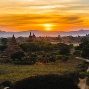 【🐱またたび✈】落ちそうで落ちない!?ゴールデンロックをめぐる冒険 in ミャンマー