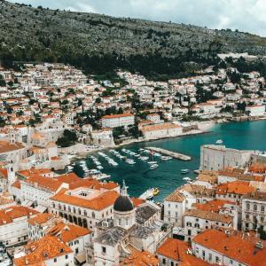 【🐱またたび✈】魔女が宅配する?飛べない豚がいる?ジブリな街クロアチアの美しい街並み