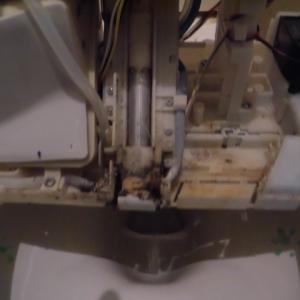松原市で窓ガラス・サッシとトイレと便座の掃除
