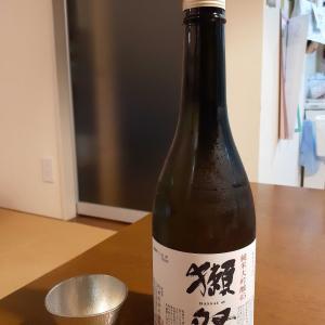 日本酒飲み比べ。父の日に贈りたい日本酒2選!!