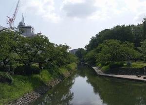 富山城址公園付近をウォーキング