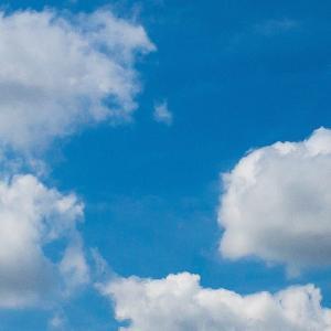 空を見て何を思う…。何か忘れているような…!?