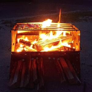 ユニフレームの薪グリルはやっぱり料理がしやすかった!!