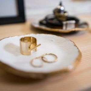【100均DIY】粘土でおしゃれインテリア雑貨を簡単に作る方法。マーブル柄トレイ、アクセサリートレイ、写真立て、クレイトレー、石鹸トレイ
