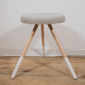 【インテリア家具DIY】セメントでコンクリート調テーブルを簡単に作る方法。コーヒーテーブル オシャレサイドテーブル