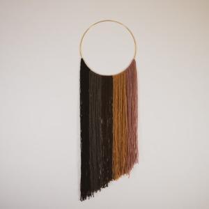 100均の毛糸でオシャレなウォールハンギングを超簡単に作る方法。壁掛け飾りインテリア雑貨自作DIY