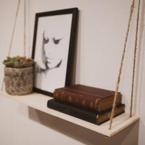 【ウォールシェルフDIY】おしゃれな壁掛け棚を作って設置!素人でもできるスタイリッシュインテリア棚作り。飾り棚・吊り棚