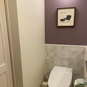 アートを壁に飾る基本の方法