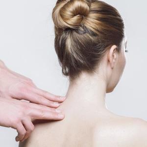 【ぶっちゃけどうなの?】医療脱毛の「痛み」どんな痛み?どれくらい痛い?我慢できる?