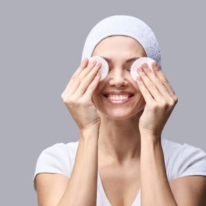 乾燥肌さん必見!!化粧水の浸透をアップさせる方法