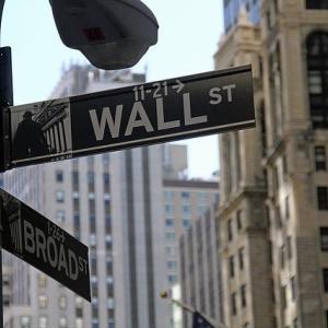 米国株価は見事に全戻し