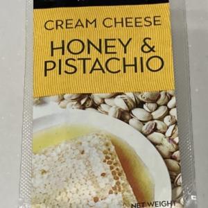 【クリームチーズ】カルディで買ったムーンダラーのチーズ「ハニー&ピスタチオ」が濃厚な味わいでした