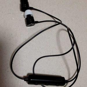 ダイソーサイコー②ワイヤレスイヤフォンマイクDAISO BT002
