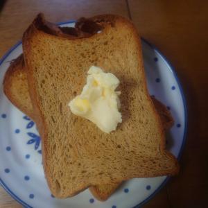 富澤商店の低糖質ふすまパンミックスで食パンを焼く