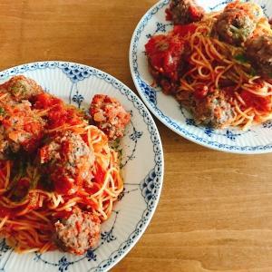 肉なしで作る大き目なミートボールが魅力的!「ホットクックとヘルシオで作るイタリアンミートボール風スパゲッティ」