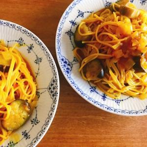 ワンポットパスタは調理が面倒な日の救世主になれるのか?「ホットクックで作るナスとトマトのスパイスカレースパゲッティ」