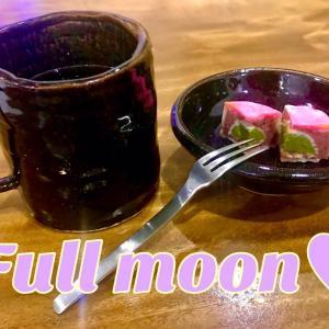 中秋の名月と満月と月餅♥